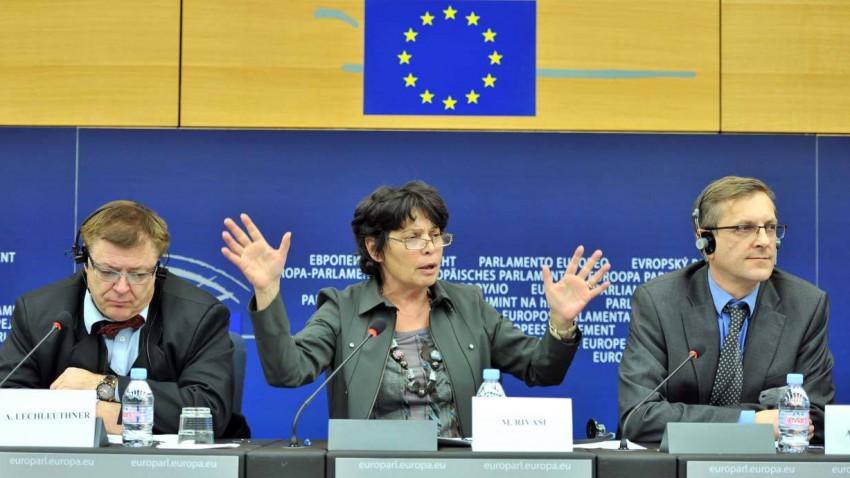 Alex Lechleuthner, Michele Rivasi und Andreas Kornath bei einer Pressekonferenz 2012
