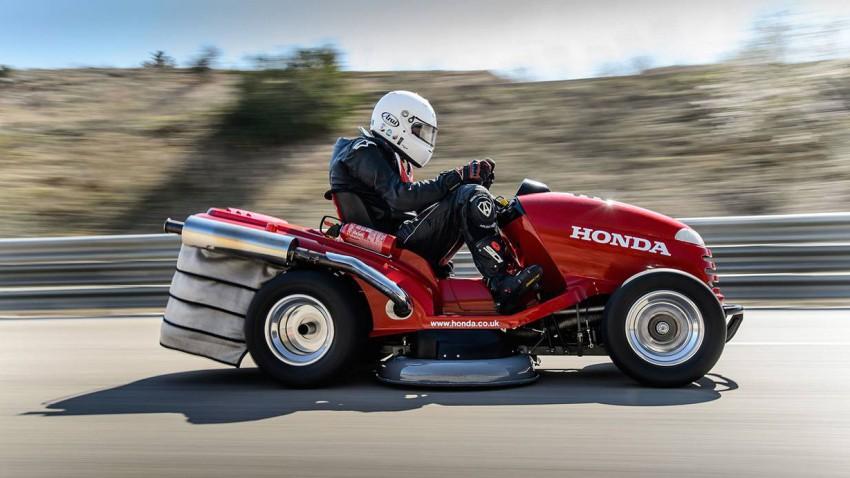 """Das Rasenmäherprojekt von Honda und Team Dynamics ist schon einige Monate alt. Jetzt haben sie sich Guiness gestellt und sind mit ihrem Mean Mower offiziell """"worlds fastest""""."""