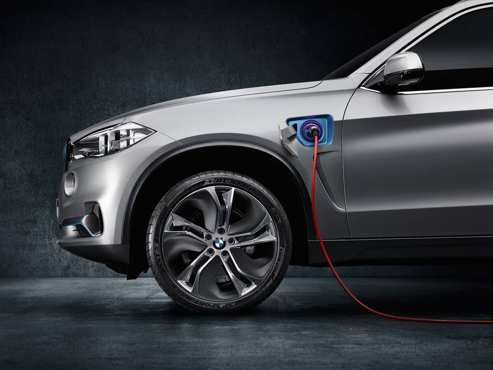 bmw x5 eDrive Concept plug in stecker anschluss felge