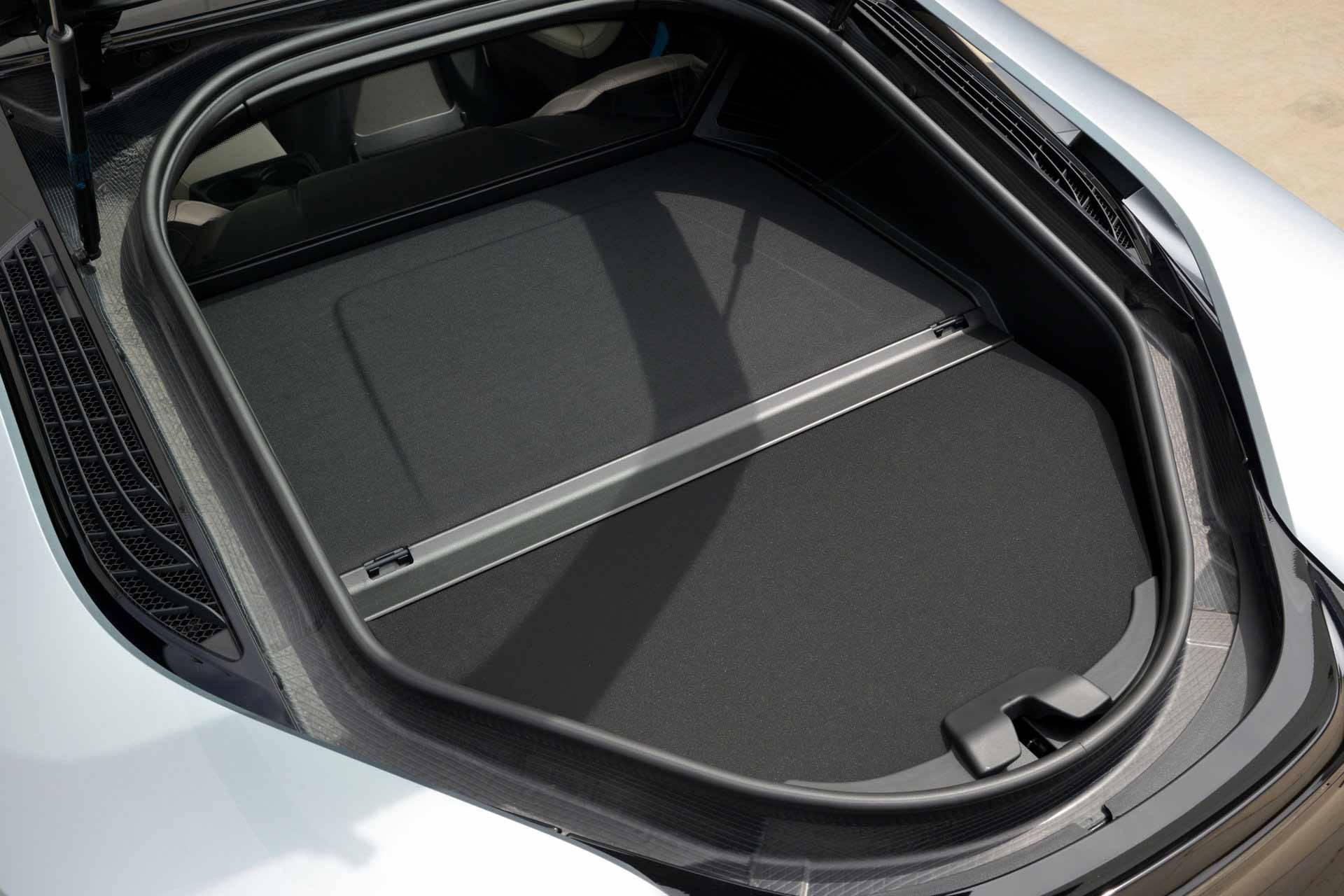 _BMW-i8-kofferraum