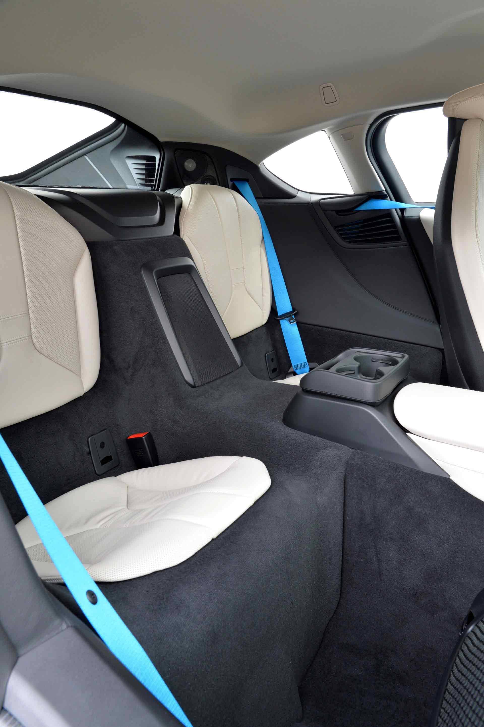 _BMW-i8-ruckbank