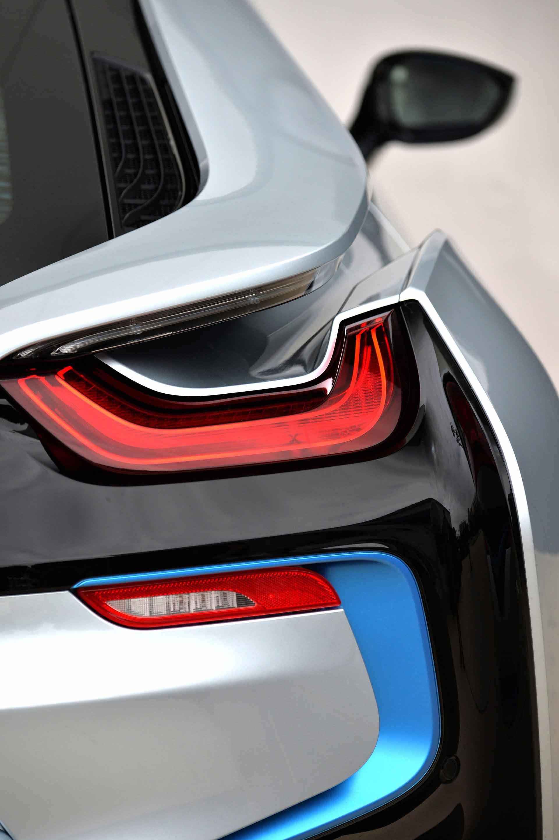 _BMW-i8-rucklichter