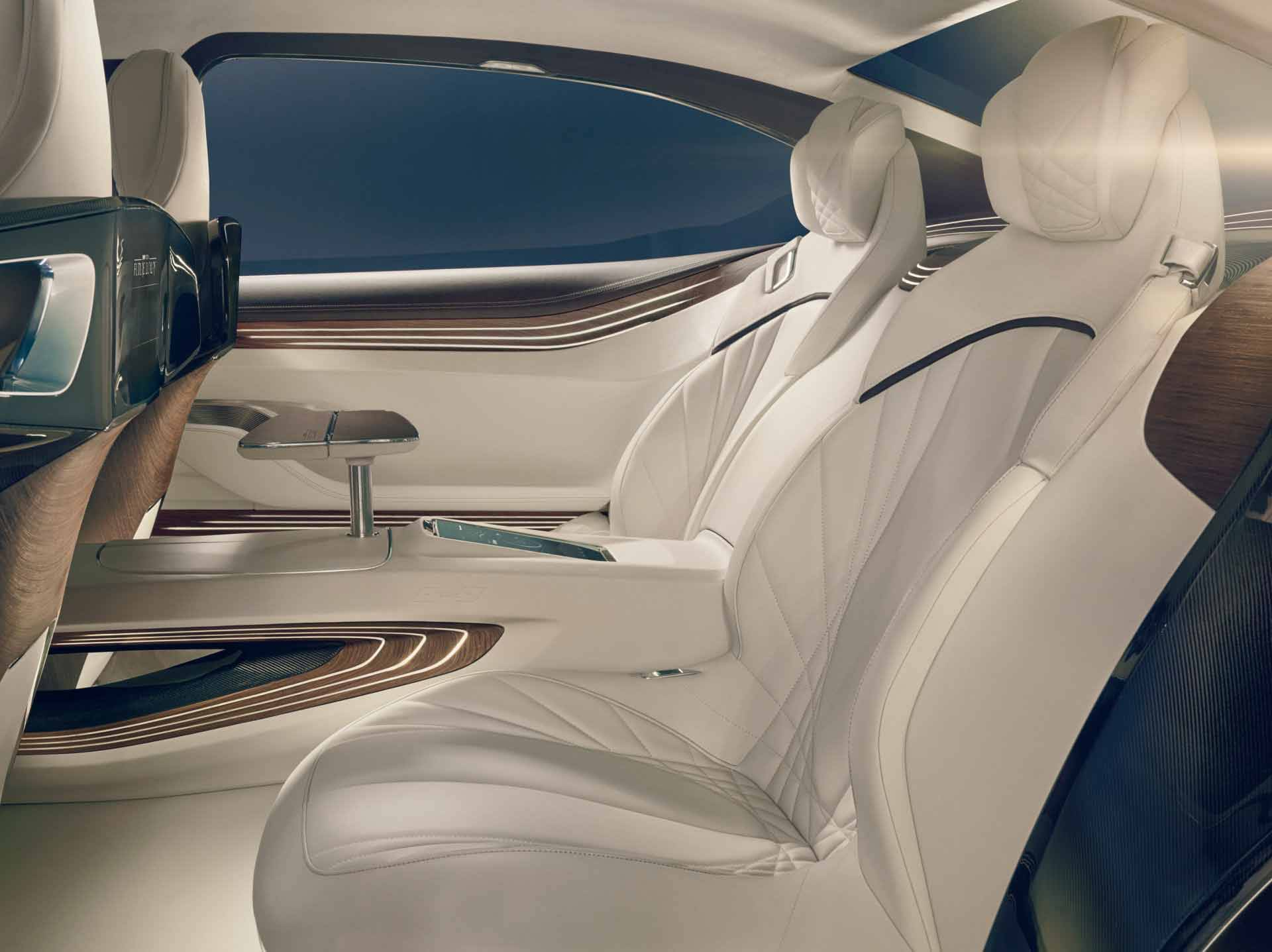 _BMW-Vision-Future-Luxury-auf-der-Auto-China-2014-innen3