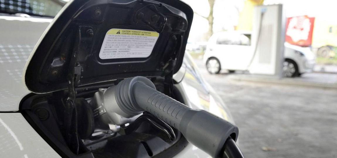 Elektroauto Stromanschluss