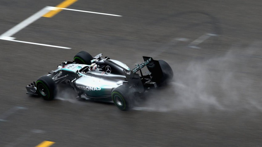 Lewis Hamilton beim Qualifiying in China 2014