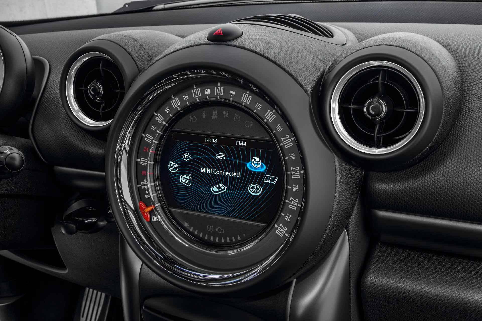 _Mini-Countryman-Modellpflege-2014-cockpit