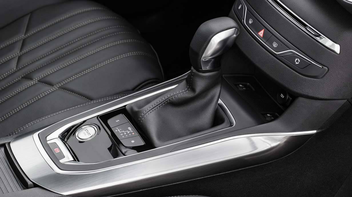 _Peugeot-308-SW-1.2-e-THP-(22)