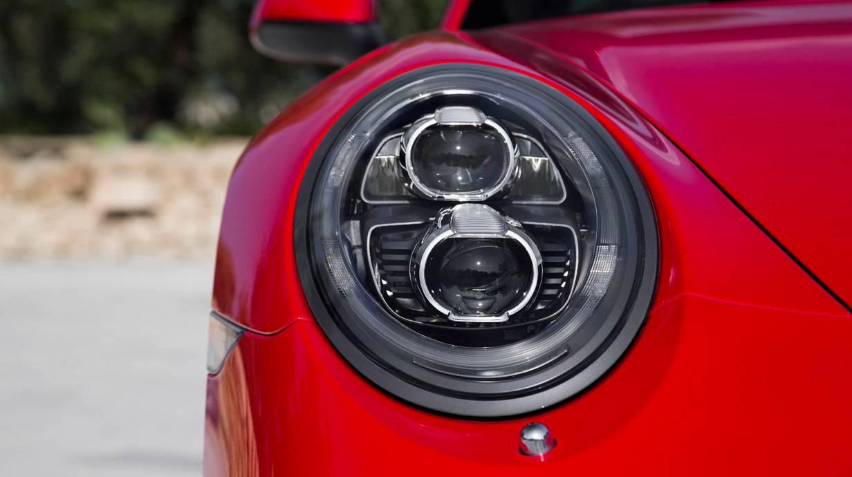 _Porsche-911-Targa--4S-scheinwerfer