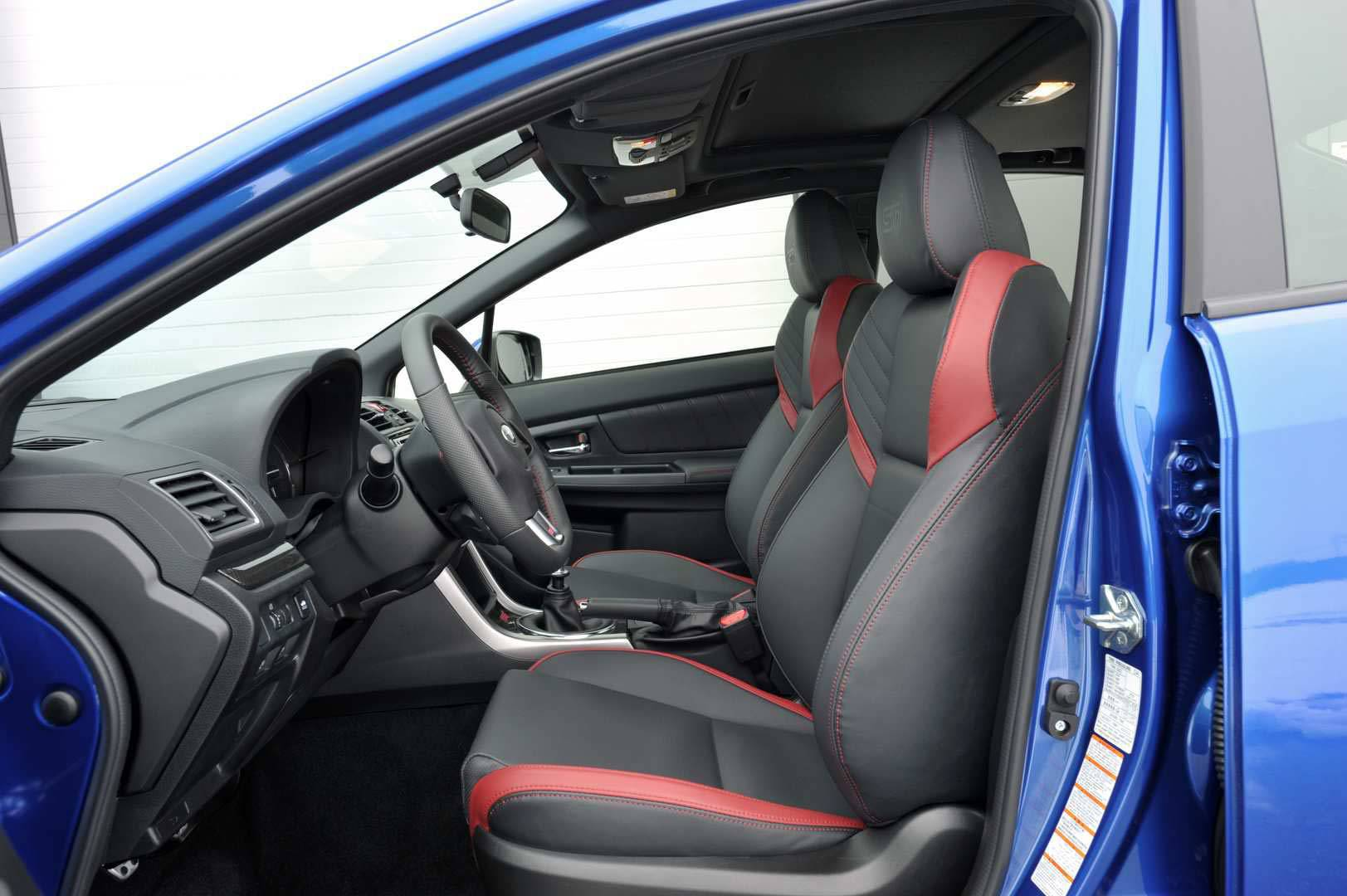 _Subaru-WRX-STI-Sport-vorne-innen