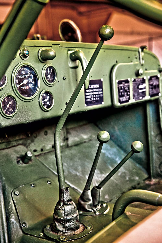 jeep willys 1943 schaltung armaturen innen