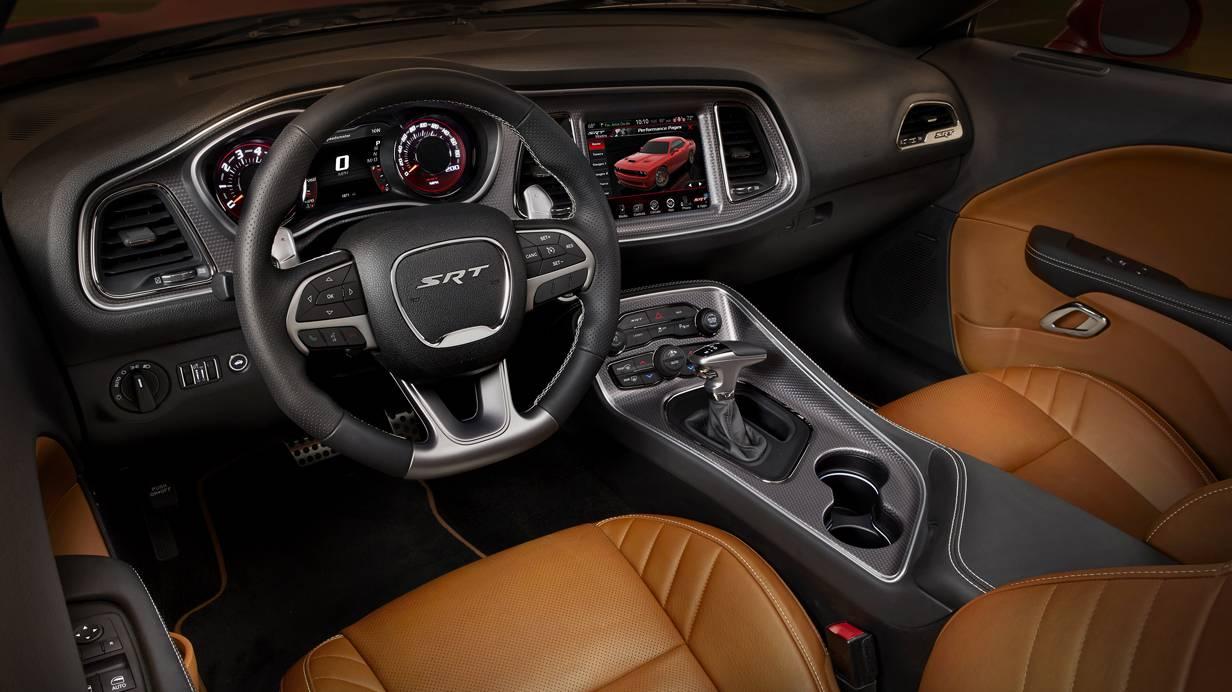 6,2 V8 Hemi Motor Dodge Challenger SRT Hellcat 2015 Musclecar