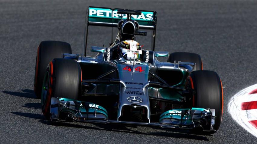 Lewis Hamilton beim Training zum GP Spanien