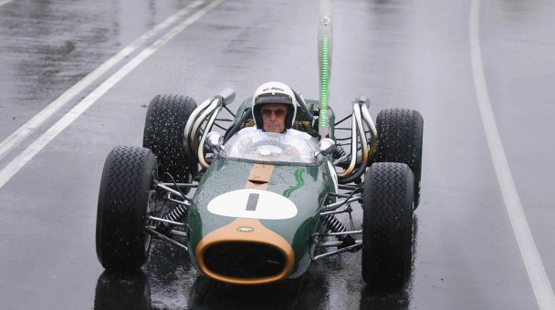 2006 fuhr Brabham mit einem F1-Auto von 1956 in Melbourne.