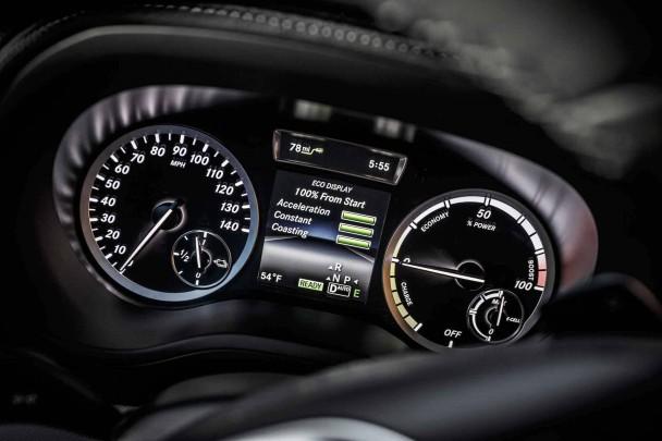 _Mercedes-B-Klasse-electric-drive-(39)