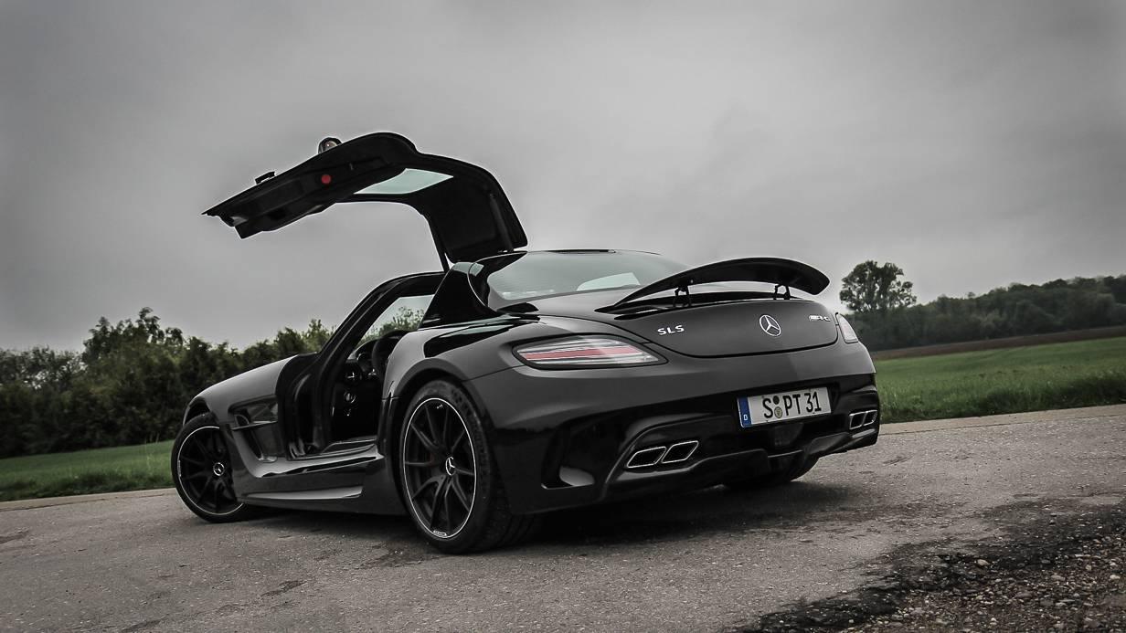 Mercedes-Benz SLS AMG Coupé Black Series Flügeltüre Offen Heck Heckspoiler Titan-Abgasanlage