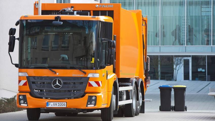 Bubentraum: Mercedes-Benz Econic 2635 Faun Variopress