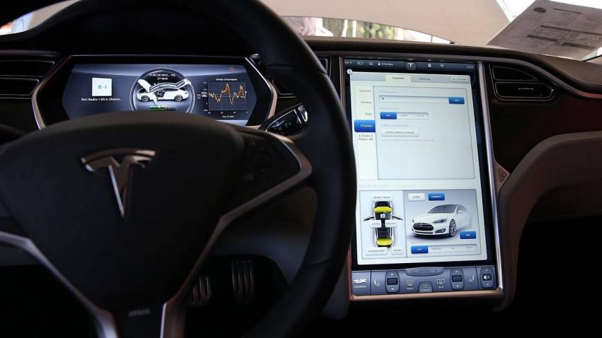 Ein Tesla Model S innen