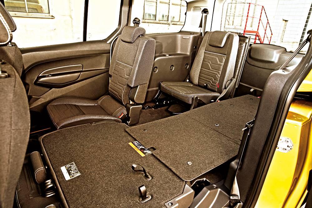 Ford Grand Tourneo Connect 1,6 Titanium 2014 ladeboden sitze hinten kofferraum