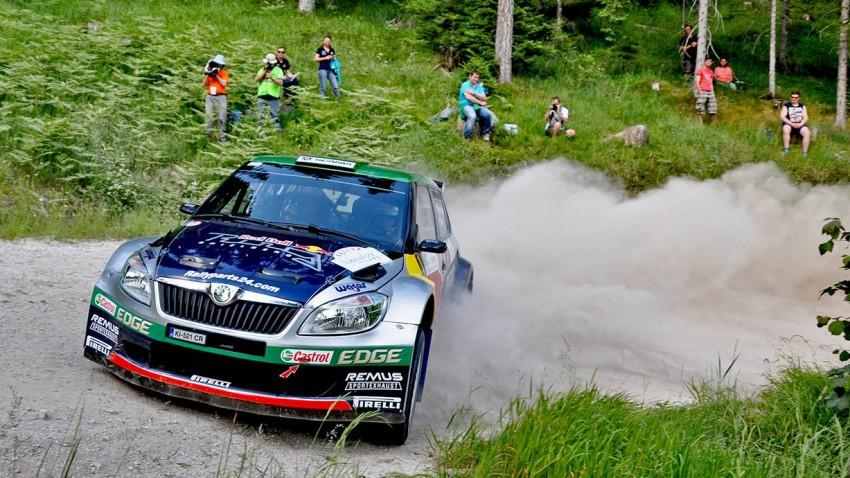 Schneebergland-Rallye: Baumschlager führt