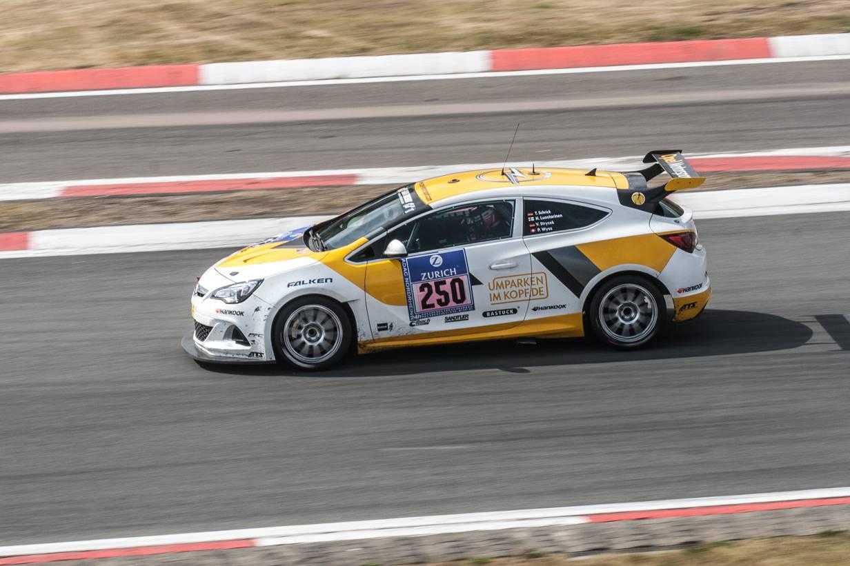 24h Rennen Nürburgring - Opel Astra OPC Cup #250 Schrick Strycek Luostarinen Wyss