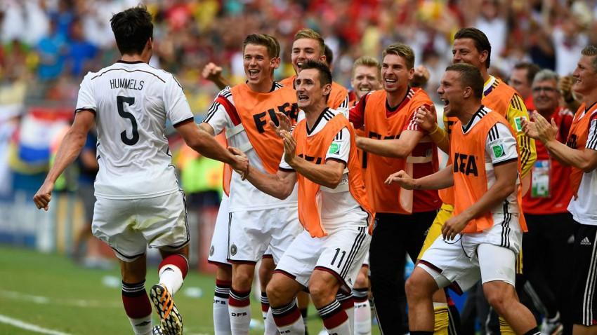Deutschland besiegt Portugal im vorbeigehen. Bild (c): Dylan Martinez / Reuters