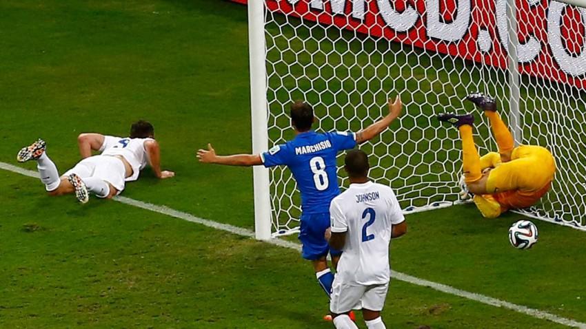 England im Eck - Italien gewinnt das erste Spiel der Gruppe D, Costa Rica ist Tabellenführer. Bild (c): Andreas Stapff / Reuters