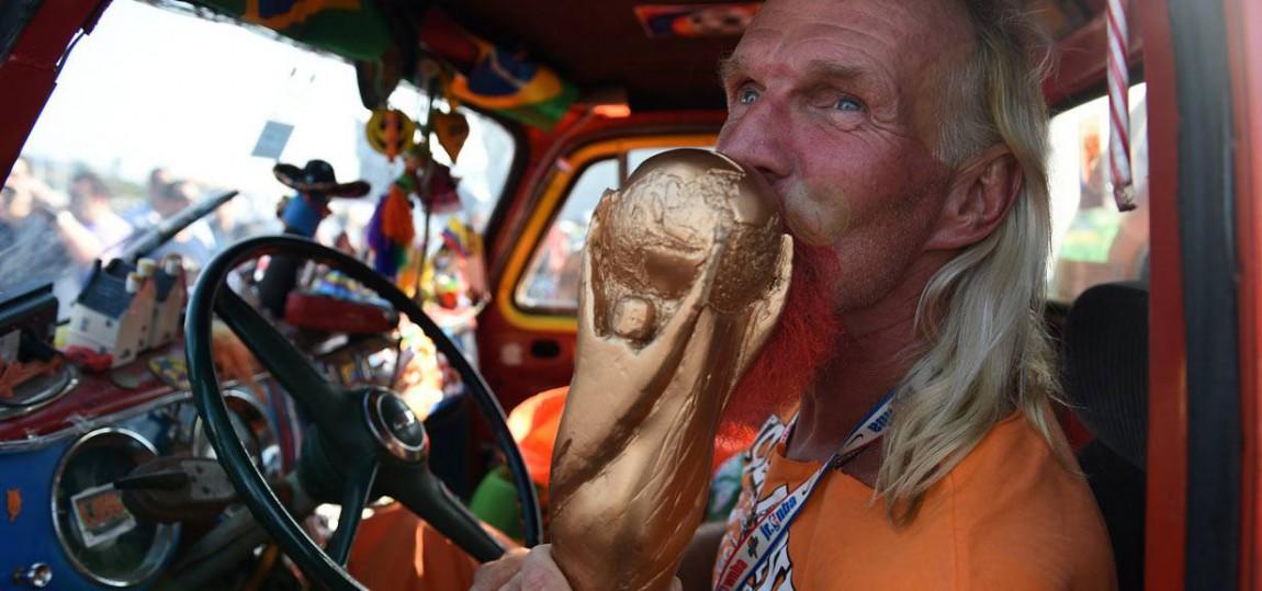 Zwei Fakten zu den Niederlanden bei der WM: 1. Sie verlieren immer gegen Deutschland und 2. Ihre Fans sind, ähm, speziell.