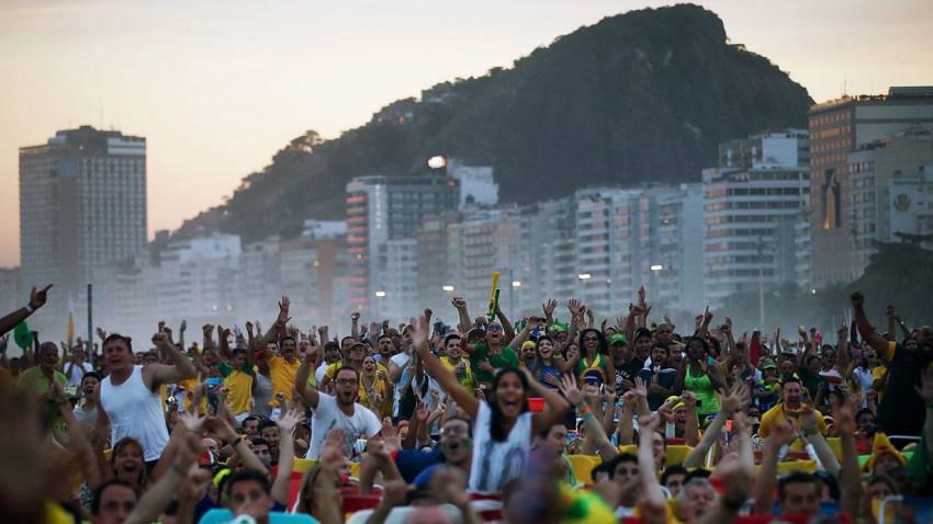 Fans an der Copacabana