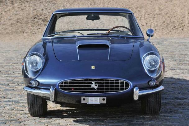 _Ferrari-400-Superamerica-front