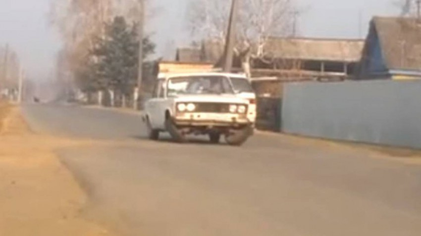 Lowrider Lada VAZ 2106 Mc Hammer you cant touch this