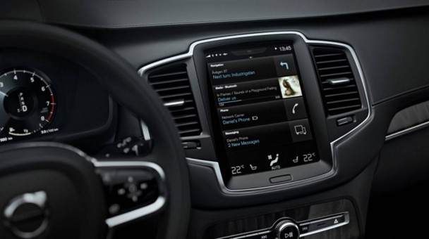 _neuer-volvo-xc90-display-inflames-720x405