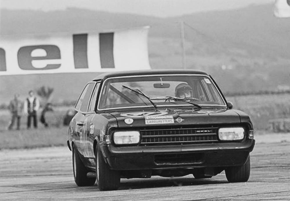 _Opel-Record-C-schwarze-witwe-2
