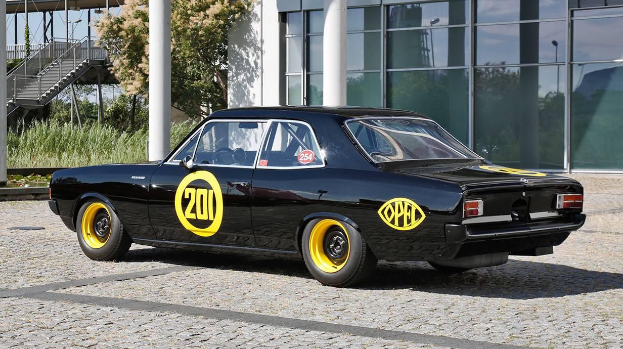_Opel-Record-C-schwarze-witwe-6