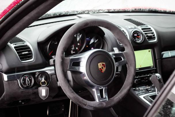 _Porsche-Cayman-GTS-innen