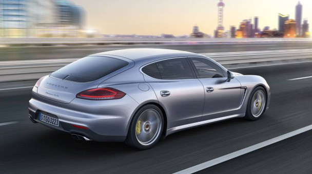 _Porsche-Panamera-Turbo-S-Executive-heck