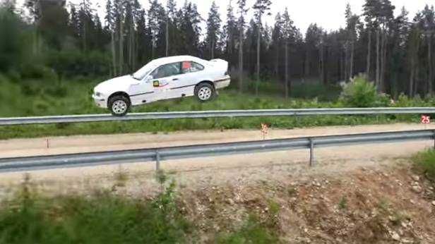 Video: Rallye-Jump mit BMW M3