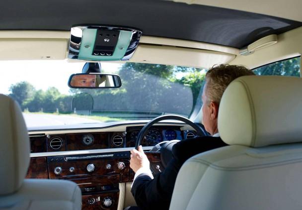 _Rolls-Royce-Chauffeur-19