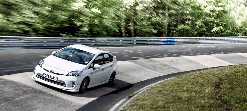 _toyota prius plug in hybrid trd nordschleife