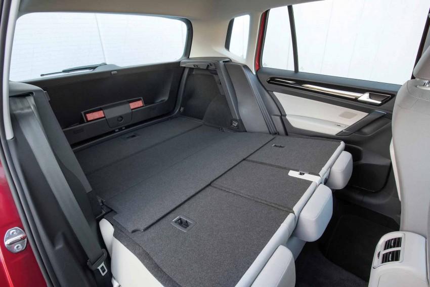 _VW-Golf-Sportsvan-rückbank-umgelegt