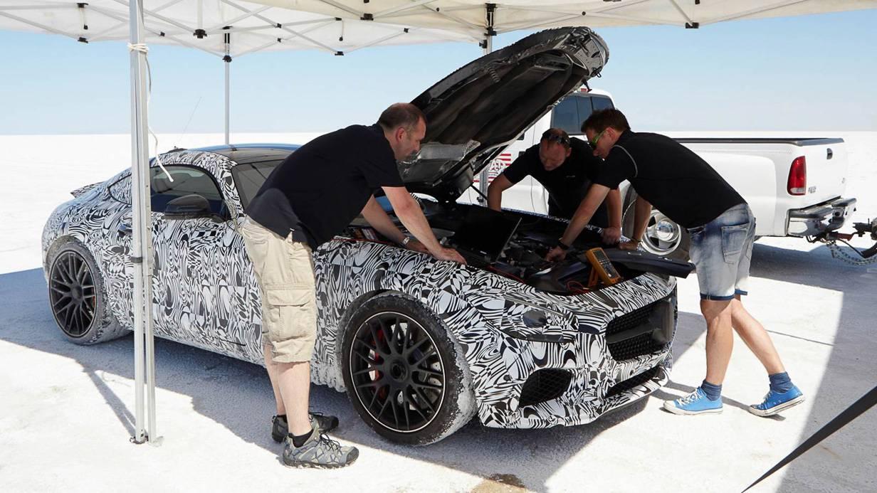 Der 4.0 Liter V8 leistet entweder 462PS oder 510PS, ganz ob man GT oder GT-S gekauft hat.
