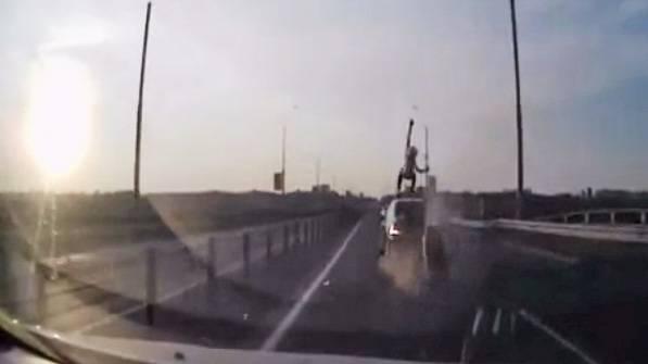 motorrad-crash-stunt