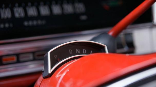 _Opel-Admiral-V8-cockpit