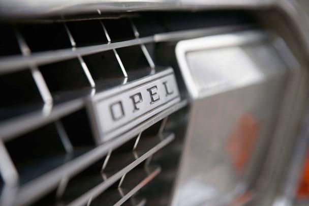 _Opel-Admiral-V8-detail