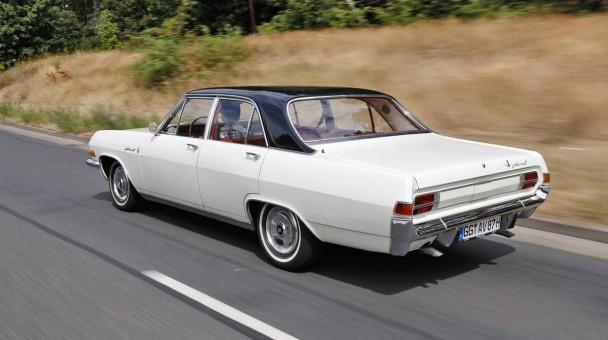_Opel-Admiral-V8-heck