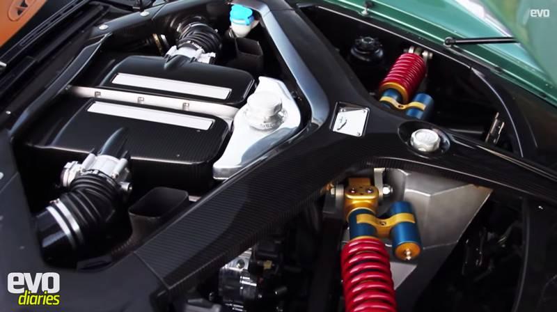 aston martin one-77 motor motorraum