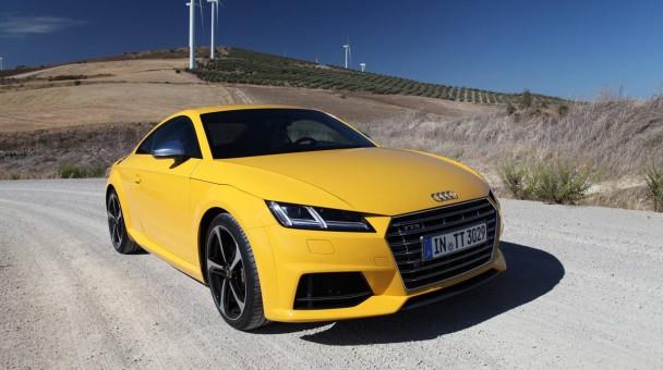 Audi TTS 2014 gelb vorne front seite scheinwerfer