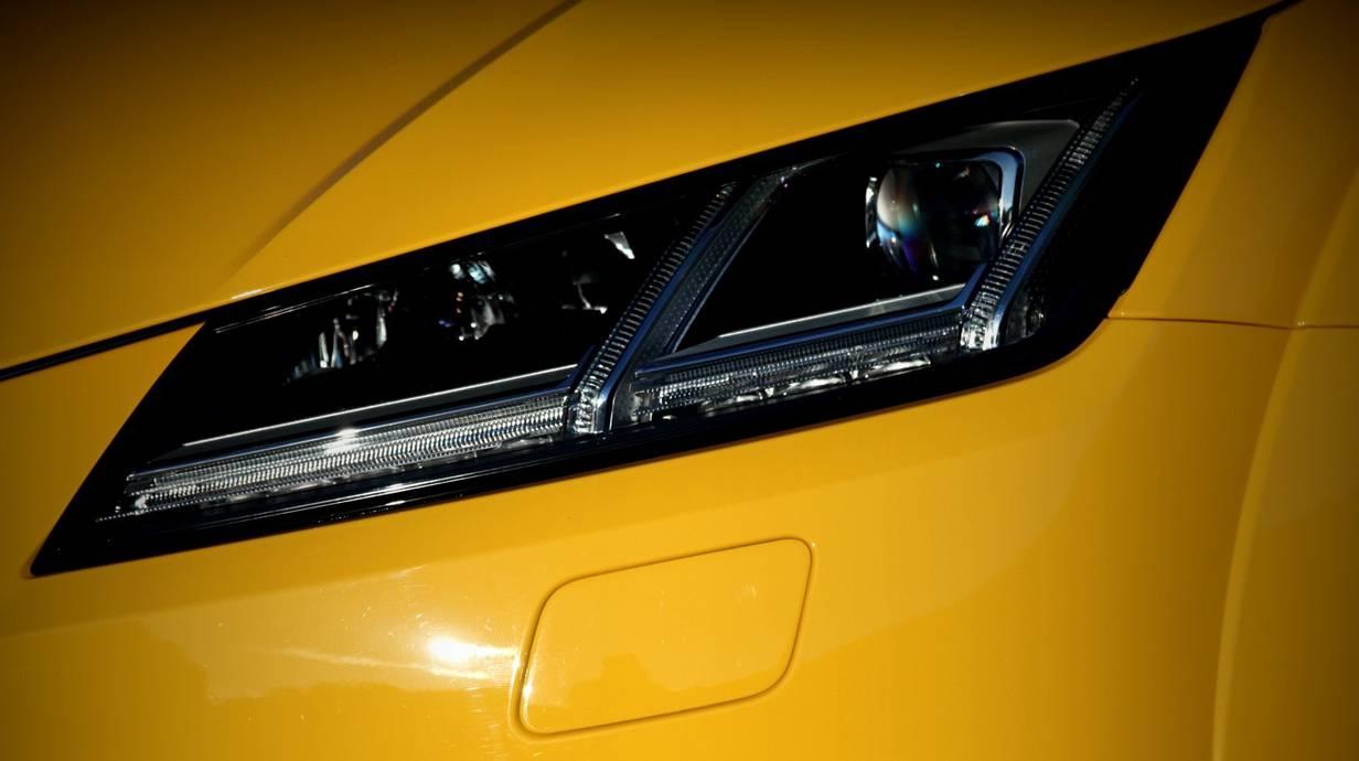 Audi TTS 2014 gelb scheinwerfer led