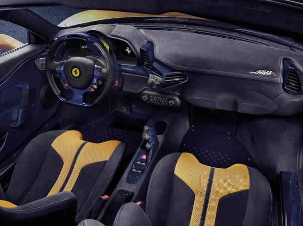 Ferrari 458 Speciale A innen