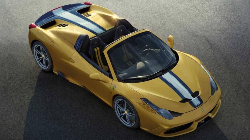 Ferrari 458 Speciale A offen oben