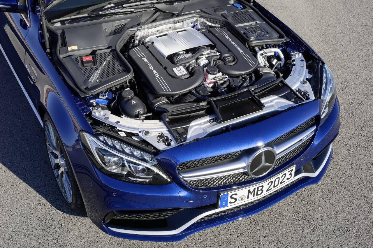 mercedes benz c63 amg s motor motorraum v8 biturbo
